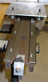 linear woodworking machine with vee bearings
